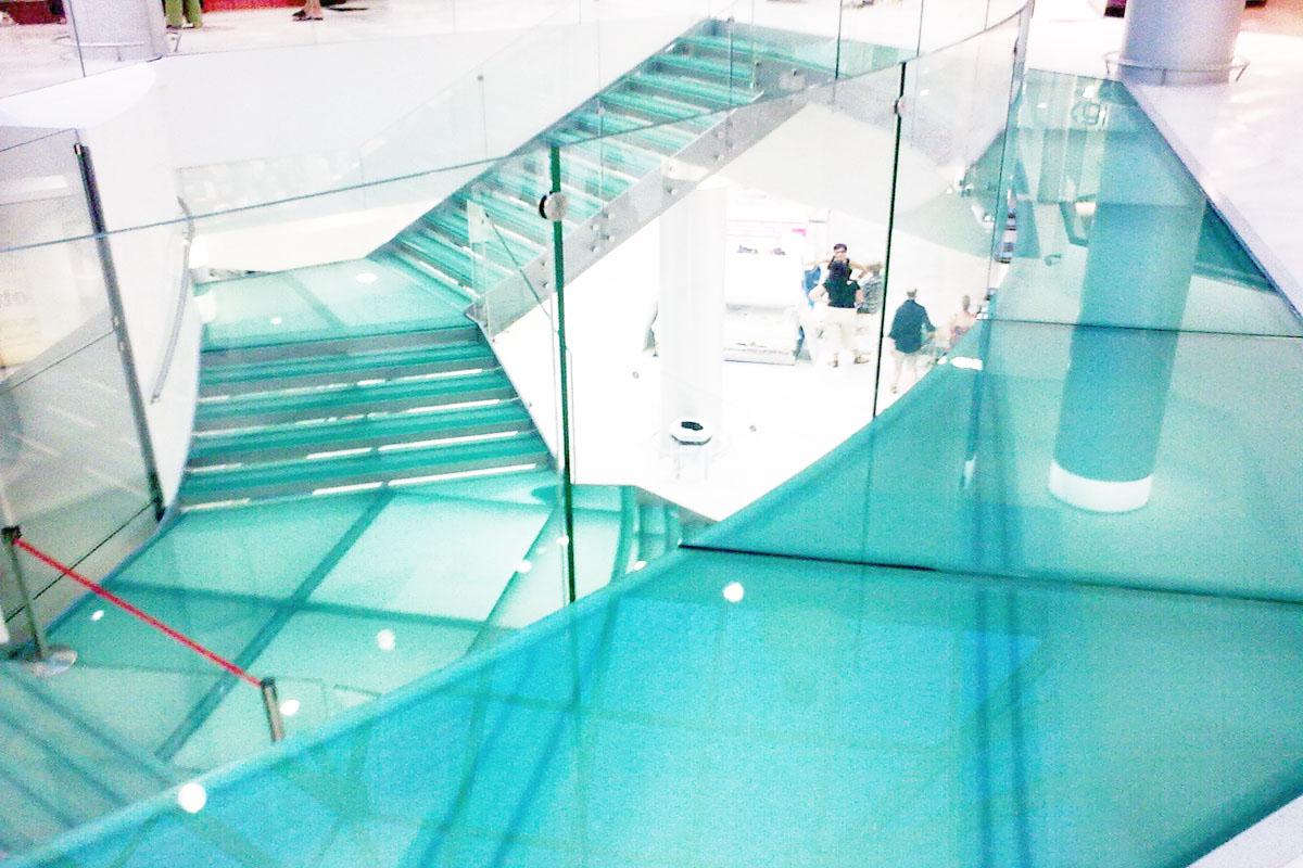 scale-in-vetro-progettazione-realizzazione-personalizzazione-montaggio-palladio-scale-2125555